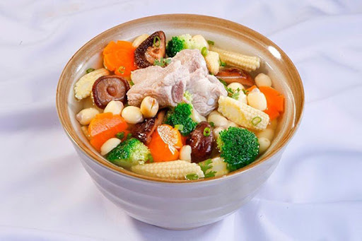 Cách dùng sâm tươi Hàn Quốc nấu sườn và hạt bạch quả